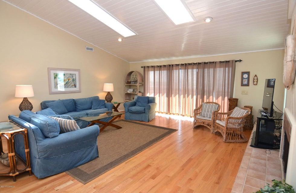 BHI (Bald Head Island) Real Estate - http://cdn.resize.sparkplatform.com/ncr/1024x768/true/20170227173249659056000000-o.jpg