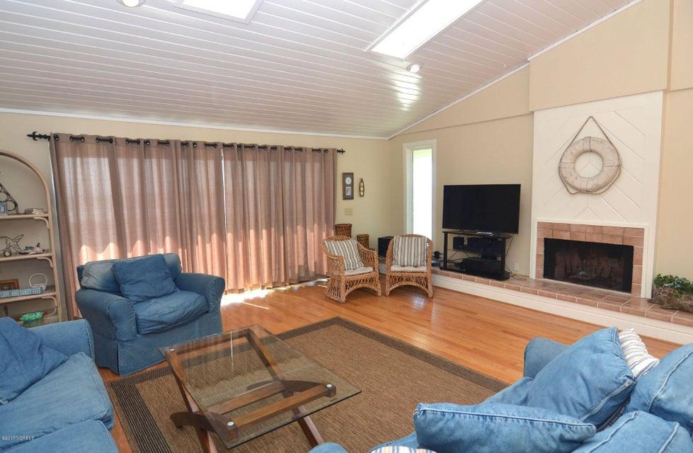 BHI (Bald Head Island) Real Estate - http://cdn.resize.sparkplatform.com/ncr/1024x768/true/20170227173251716762000000-o.jpg