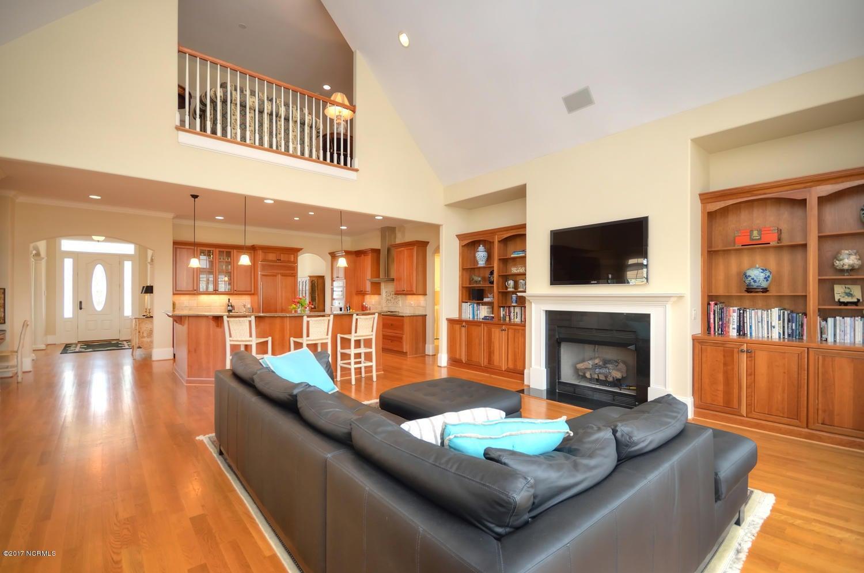 St James Real Estate - http://cdn.resize.sparkplatform.com/ncr/1024x768/true/20170228230501627971000000-o.jpg