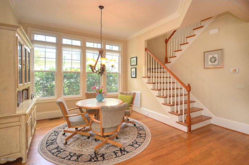 St James Real Estate - http://cdn.resize.sparkplatform.com/ncr/1024x768/true/20170228230520318510000000-o.jpg