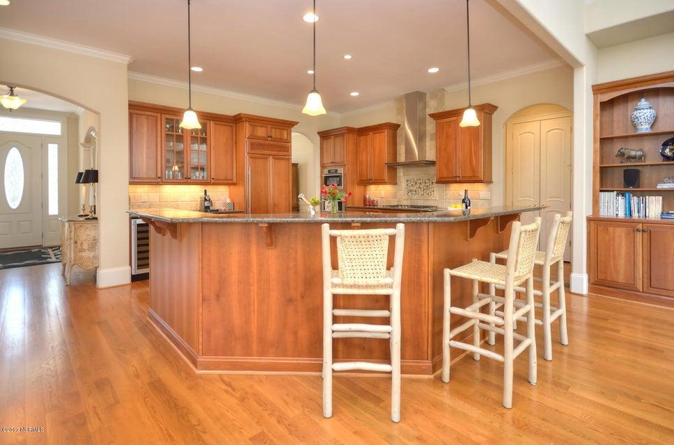 St James Real Estate - http://cdn.resize.sparkplatform.com/ncr/1024x768/true/20170228230525931941000000-o.jpg