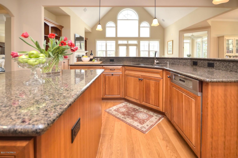 St James Real Estate - http://cdn.resize.sparkplatform.com/ncr/1024x768/true/20170228230533189082000000-o.jpg