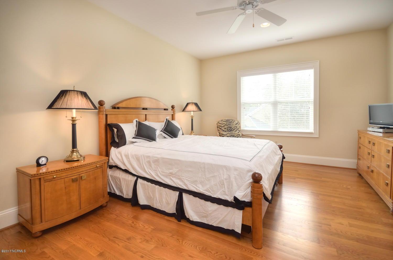 St James Real Estate - http://cdn.resize.sparkplatform.com/ncr/1024x768/true/20170228230555160791000000-o.jpg