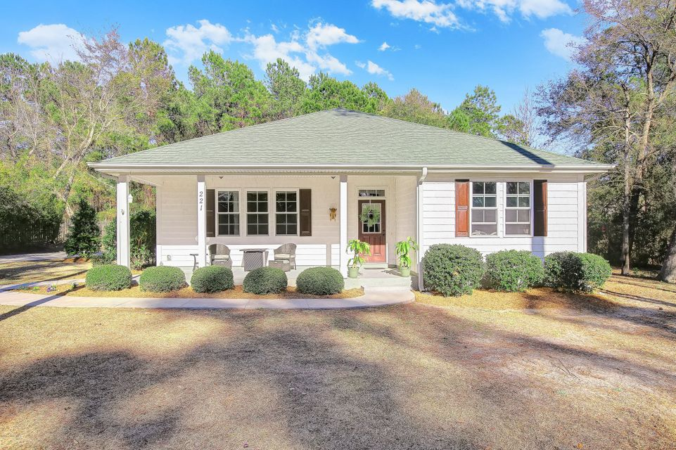 221 Bill Canady Road, Sneads Ferry, NC 28460