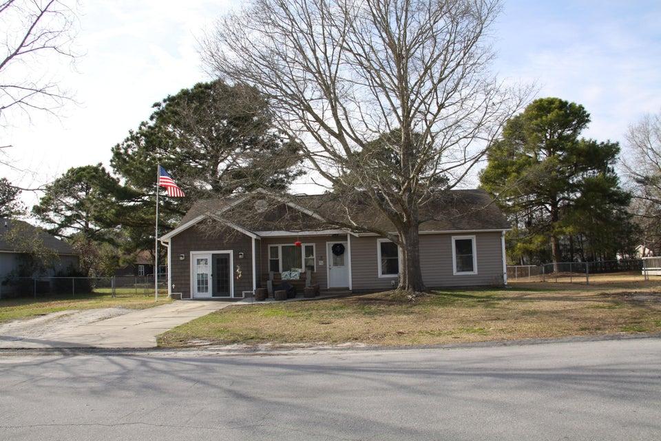 602 Foxfire Circle, Jacksonville, NC 28546