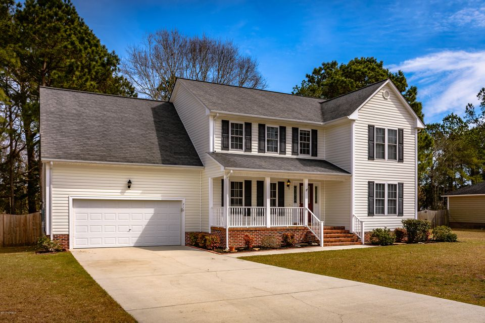 210 Egret Point Drive, Sneads Ferry, NC 28460