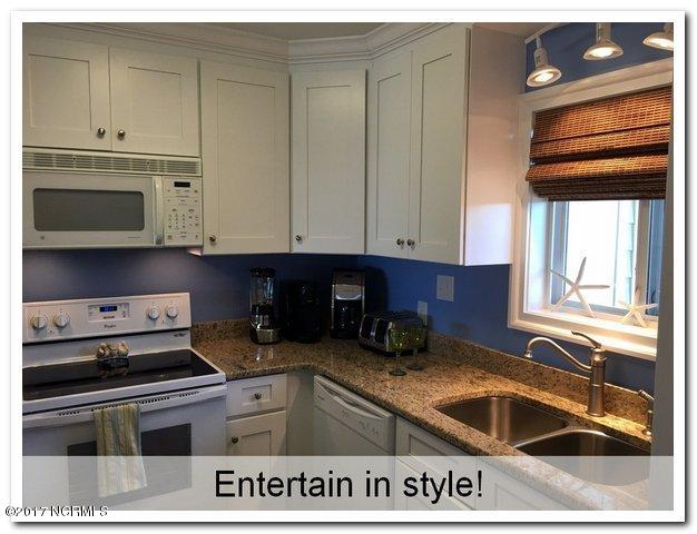 Oak Island Bch Villa Real Estate - http://cdn.resize.sparkplatform.com/ncr/1024x768/true/20170315160051533129000000-o.jpg