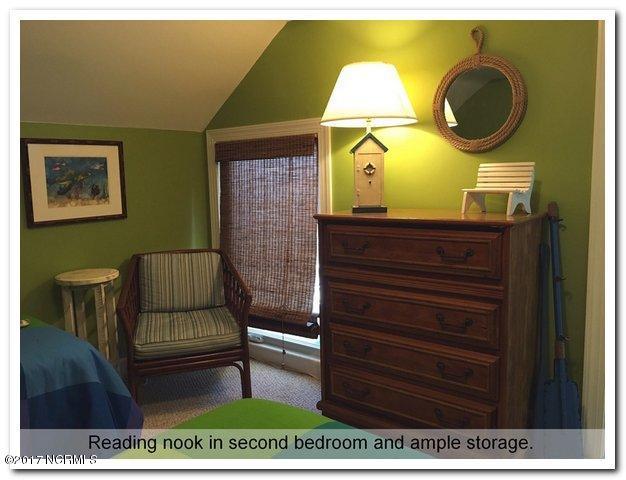 Oak Island Bch Villa Real Estate - http://cdn.resize.sparkplatform.com/ncr/1024x768/true/20170315160104200658000000-o.jpg