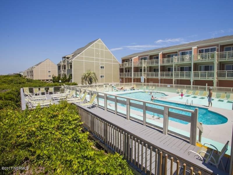 Oak Island Bch Villa Real Estate - http://cdn.resize.sparkplatform.com/ncr/1024x768/true/20170315160119128099000000-o.jpg
