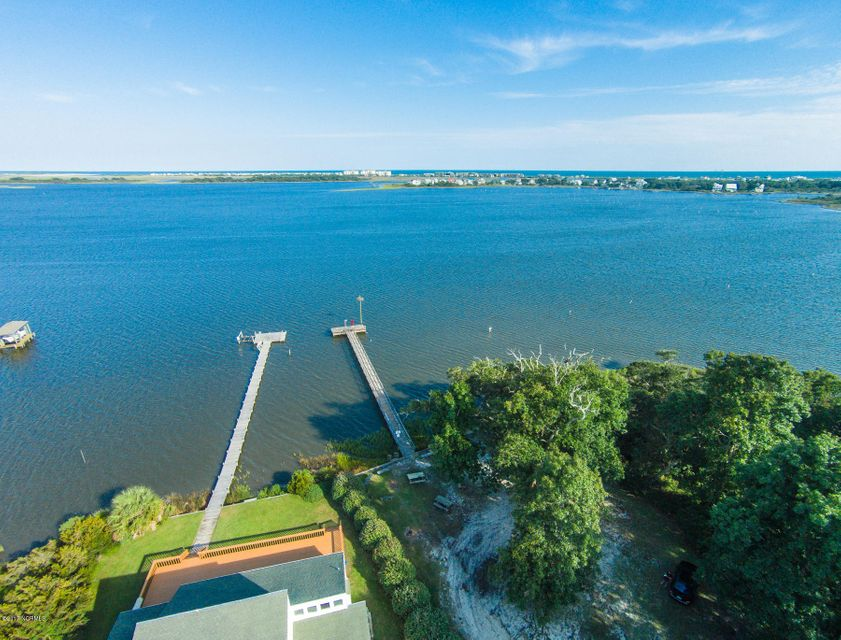 319 Chadwick Shores Drive, Sneads Ferry, NC 28460