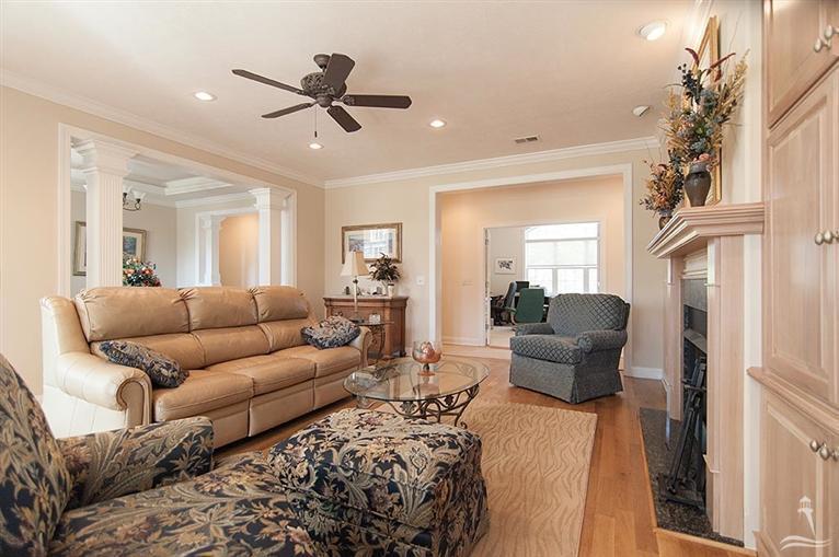Ocean Ridge Real Estate - http://cdn.resize.sparkplatform.com/ncr/1024x768/true/20170318155550174298000000-o.jpg