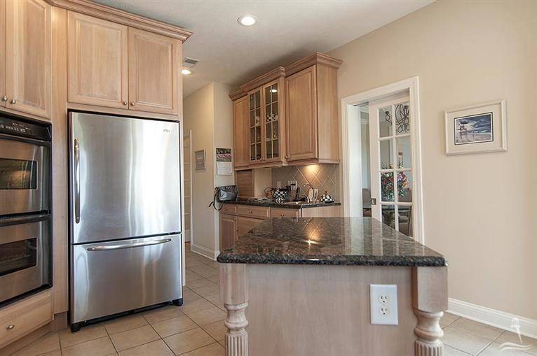 Ocean Ridge Real Estate - http://cdn.resize.sparkplatform.com/ncr/1024x768/true/20170318155552982557000000-o.jpg