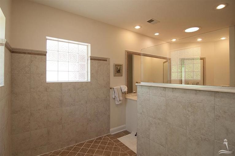 Ocean Ridge Real Estate - http://cdn.resize.sparkplatform.com/ncr/1024x768/true/20170318155553742584000000-o.jpg