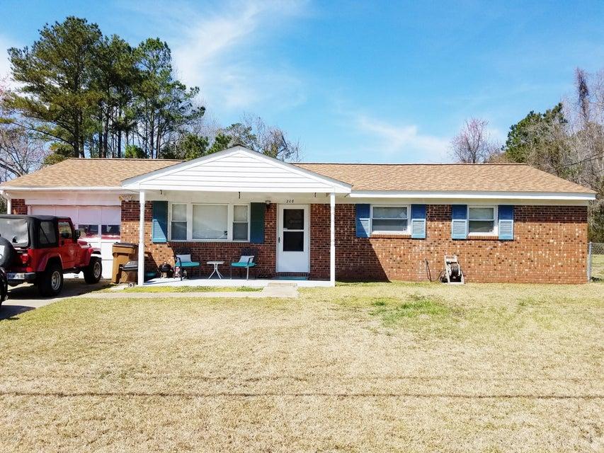 208 Ramsey Drive, Jacksonville, NC 28540
