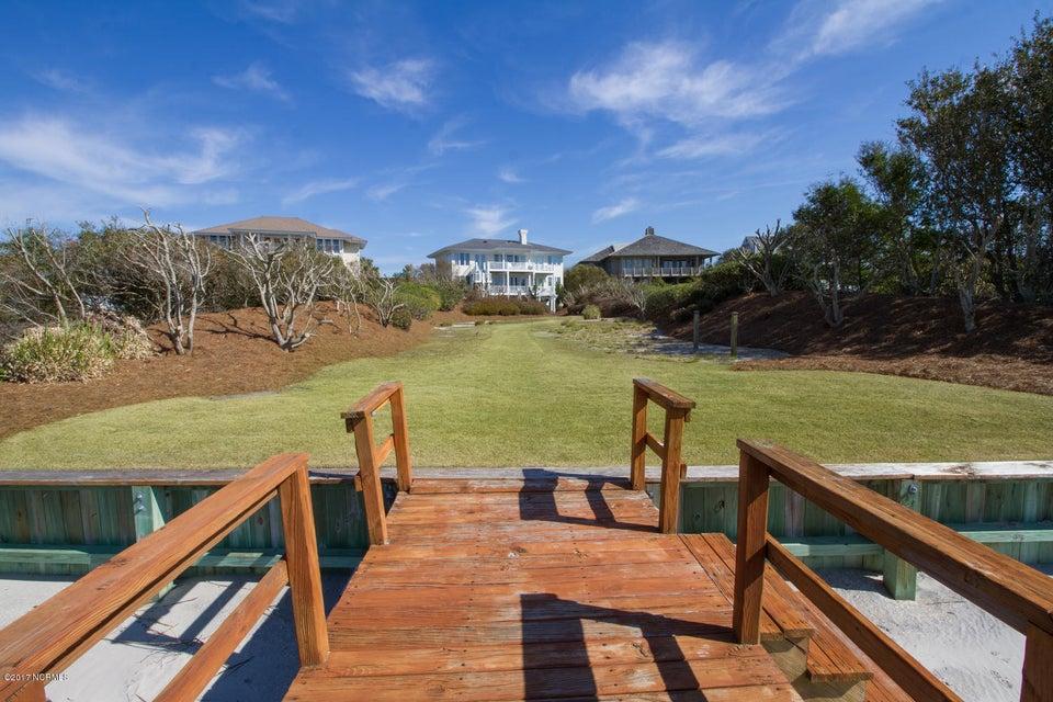 Figure Eight Island Real Estate - http://cdn.resize.sparkplatform.com/ncr/1024x768/true/20170321141207499115000000-o.jpg