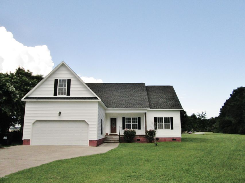 903 Charleston Place, Sneads Ferry, NC 28460