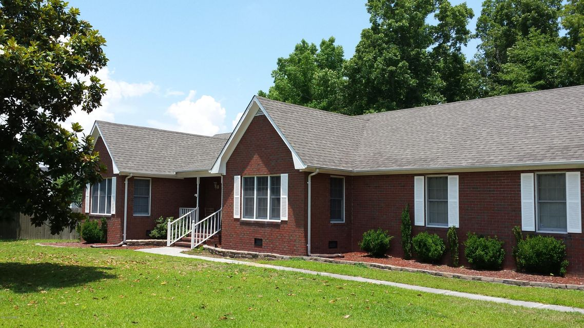 515 Greenfield Place, Sneads Ferry, NC 28460