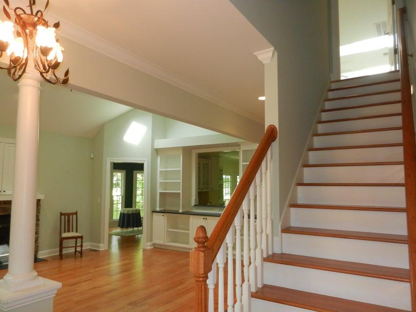 Devaun Park Real Estate - http://cdn.resize.sparkplatform.com/ncr/1024x768/true/20170322155521378045000000-o.jpg