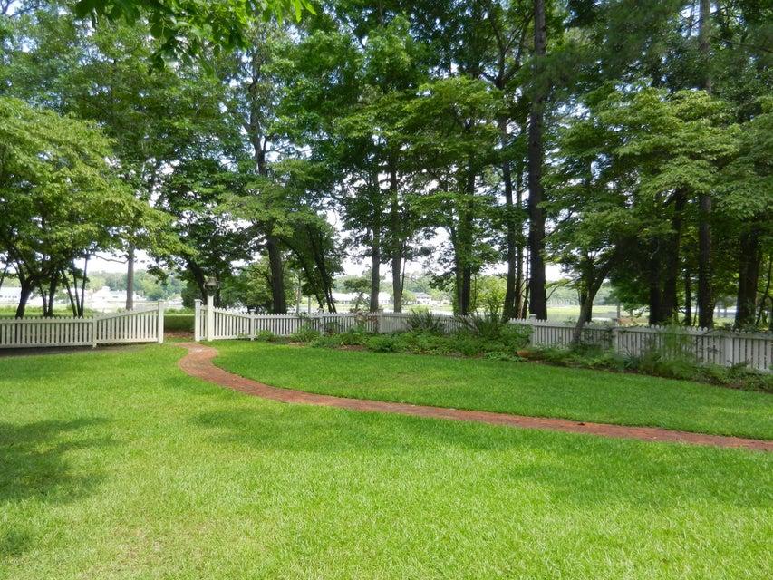 Devaun Park Real Estate - http://cdn.resize.sparkplatform.com/ncr/1024x768/true/20170322155812426327000000-o.jpg