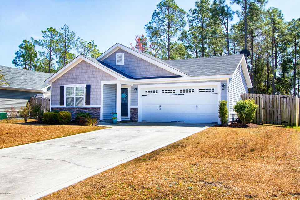407 Blue Pennant Court, Sneads Ferry, NC 28460