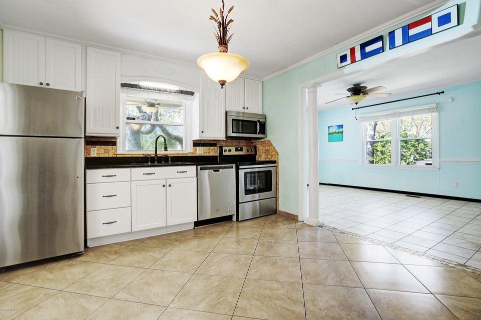 Yaupon Beach Real Estate - http://cdn.resize.sparkplatform.com/ncr/1024x768/true/20170322203040756922000000-o.jpg