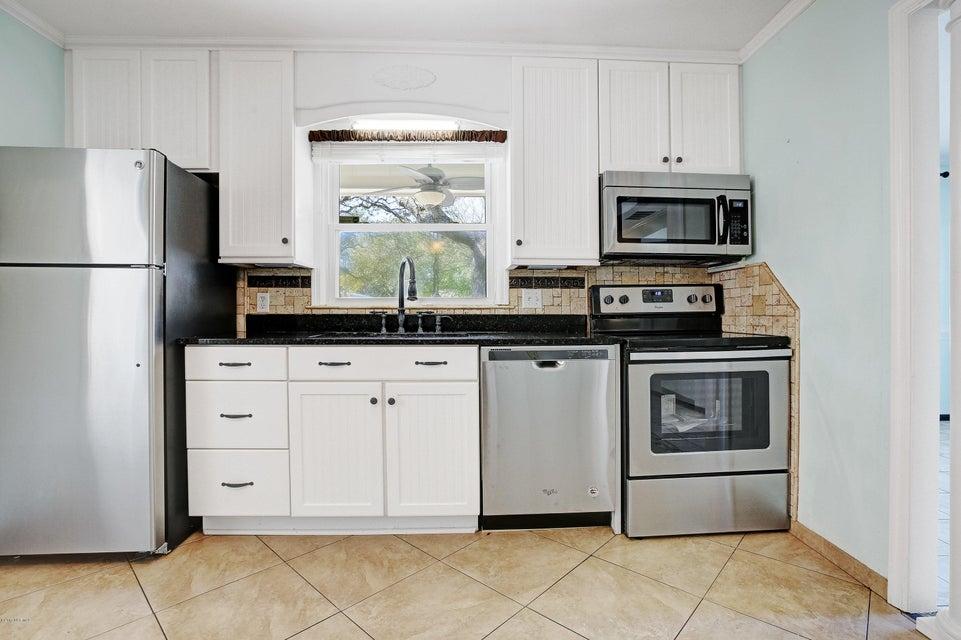 Yaupon Beach Real Estate - http://cdn.resize.sparkplatform.com/ncr/1024x768/true/20170322203046251459000000-o.jpg
