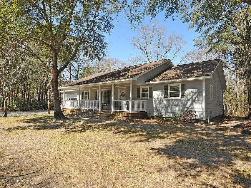 122 Country Place Road, Wilmington, NC 28409