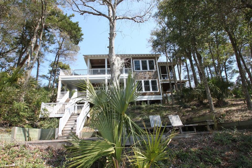 BHI Middle Island Real Estate - http://cdn.resize.sparkplatform.com/ncr/1024x768/true/20170323161500600245000000-o.jpg
