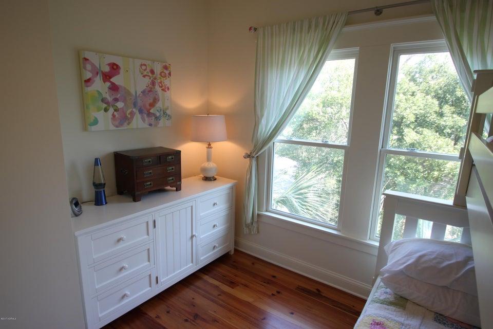 BHI Middle Island Real Estate - http://cdn.resize.sparkplatform.com/ncr/1024x768/true/20170323163213146601000000-o.jpg