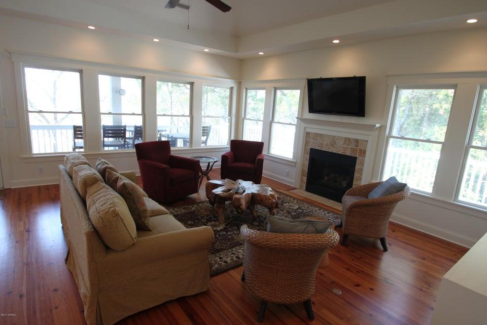 BHI Middle Island Real Estate - http://cdn.resize.sparkplatform.com/ncr/1024x768/true/20170323163647582045000000-o.jpg
