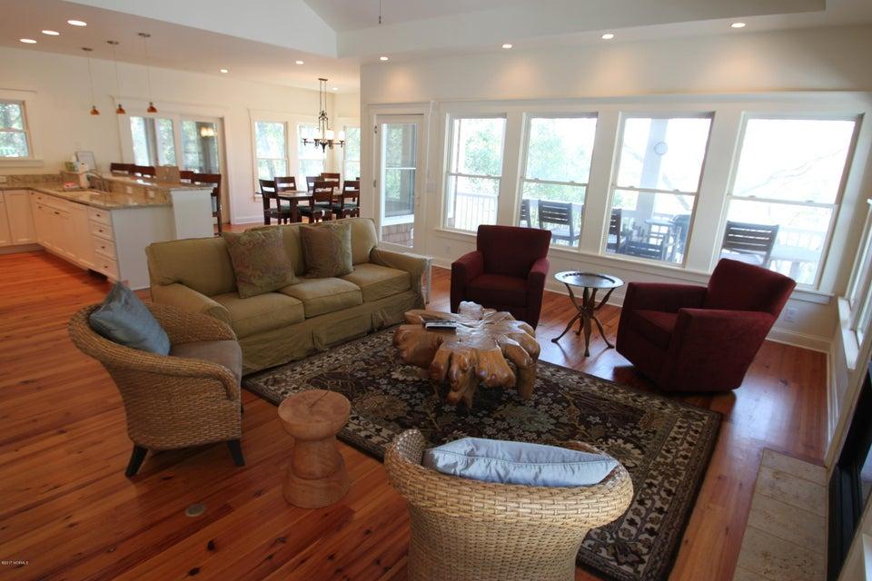 BHI Middle Island Real Estate - http://cdn.resize.sparkplatform.com/ncr/1024x768/true/20170323163747612571000000-o.jpg