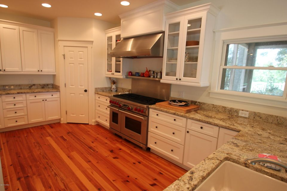 BHI Middle Island Real Estate - http://cdn.resize.sparkplatform.com/ncr/1024x768/true/20170323164105991609000000-o.jpg