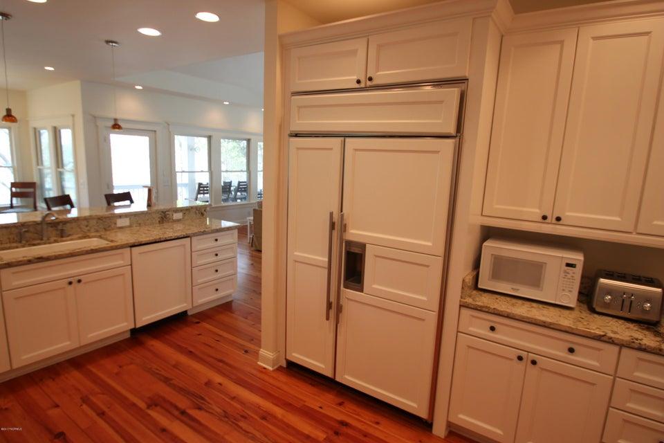 BHI Middle Island Real Estate - http://cdn.resize.sparkplatform.com/ncr/1024x768/true/20170323164232547853000000-o.jpg