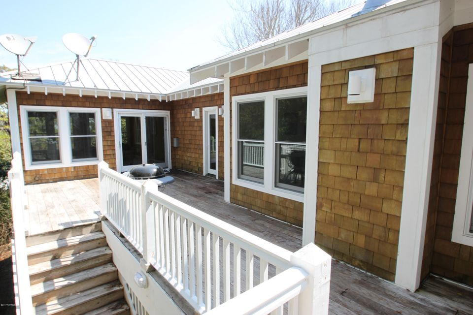 BHI Middle Island Real Estate - http://cdn.resize.sparkplatform.com/ncr/1024x768/true/20170323164953370035000000-o.jpg