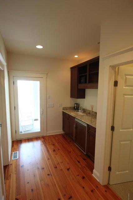 BHI Middle Island Real Estate - http://cdn.resize.sparkplatform.com/ncr/1024x768/true/20170323191456611425000000-o.jpg