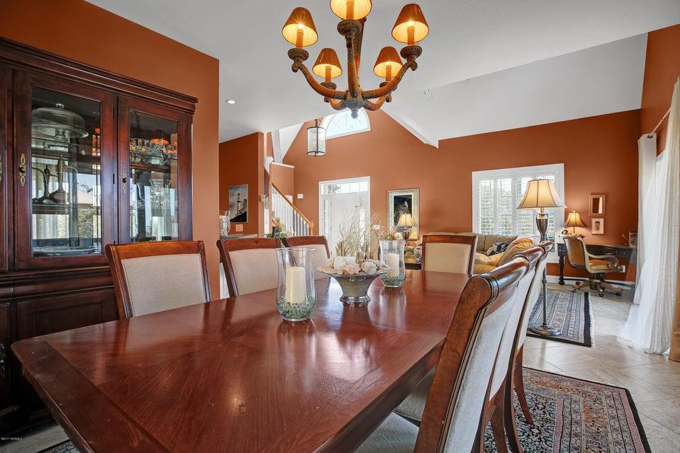Turtle Creek Real Estate - http://cdn.resize.sparkplatform.com/ncr/1024x768/true/20170324022852246818000000-o.jpg