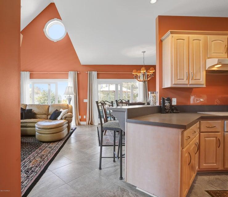 Turtle Creek Real Estate - http://cdn.resize.sparkplatform.com/ncr/1024x768/true/20170324023127061867000000-o.jpg