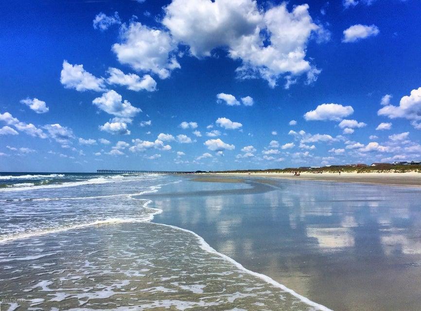 Sunset Beach Real Estate - http://cdn.resize.sparkplatform.com/ncr/1024x768/true/20170324213218864261000000-o.jpg