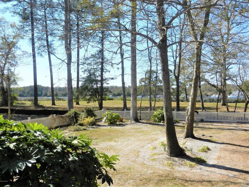 Devaun Park Real Estate - http://cdn.resize.sparkplatform.com/ncr/1024x768/true/20170325185451979834000000-o.jpg