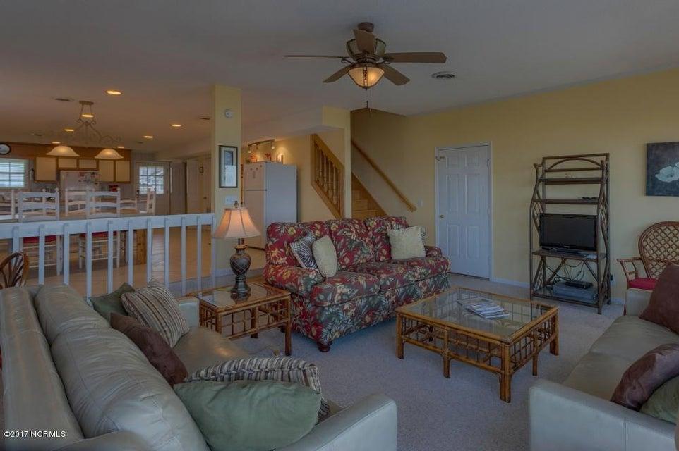 Robinson Beach Real Estate - http://cdn.resize.sparkplatform.com/ncr/1024x768/true/20170327182356275522000000-o.jpg