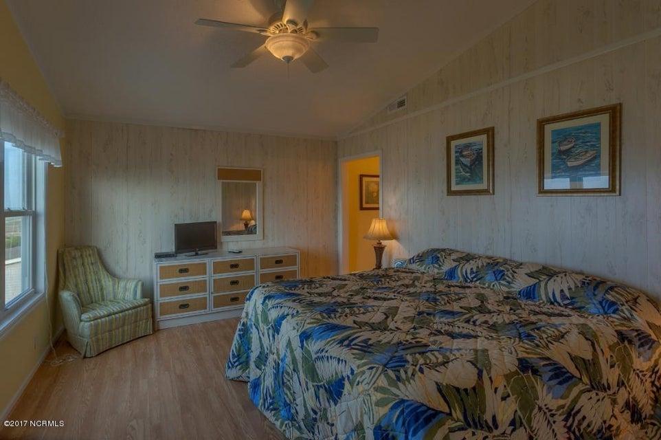 Robinson Beach Real Estate - http://cdn.resize.sparkplatform.com/ncr/1024x768/true/20170327182406549842000000-o.jpg