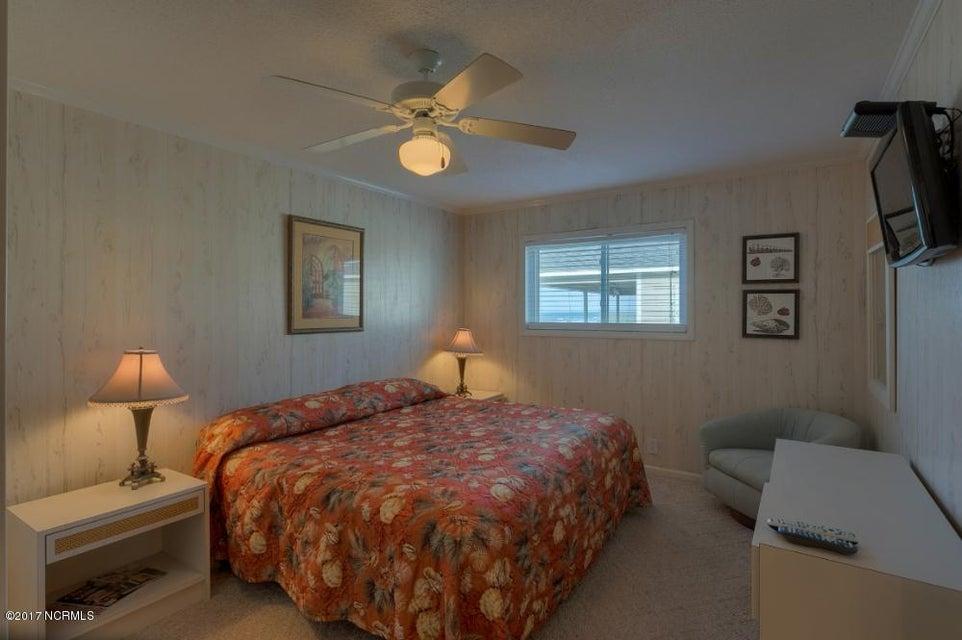 Robinson Beach Real Estate - http://cdn.resize.sparkplatform.com/ncr/1024x768/true/20170327182410155056000000-o.jpg