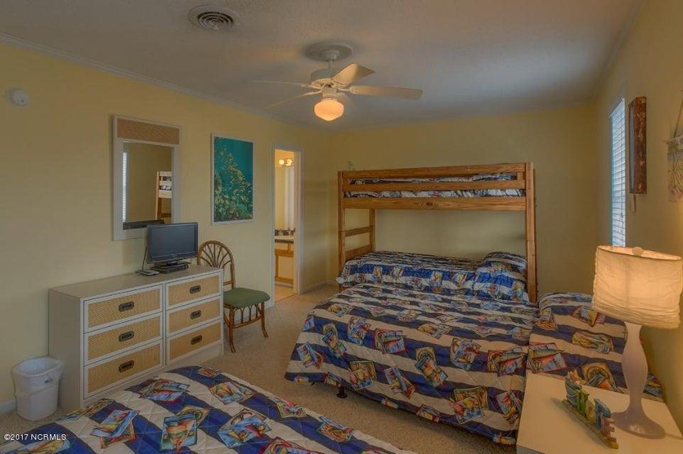 Robinson Beach Real Estate - http://cdn.resize.sparkplatform.com/ncr/1024x768/true/20170327182412229209000000-o.jpg