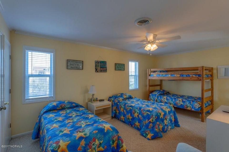 Robinson Beach Real Estate - http://cdn.resize.sparkplatform.com/ncr/1024x768/true/20170327182430900352000000-o.jpg