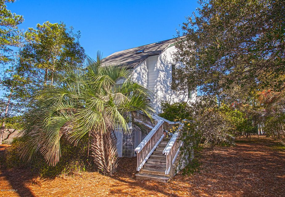 105  Live Oak Turn Southport, NC 28461
