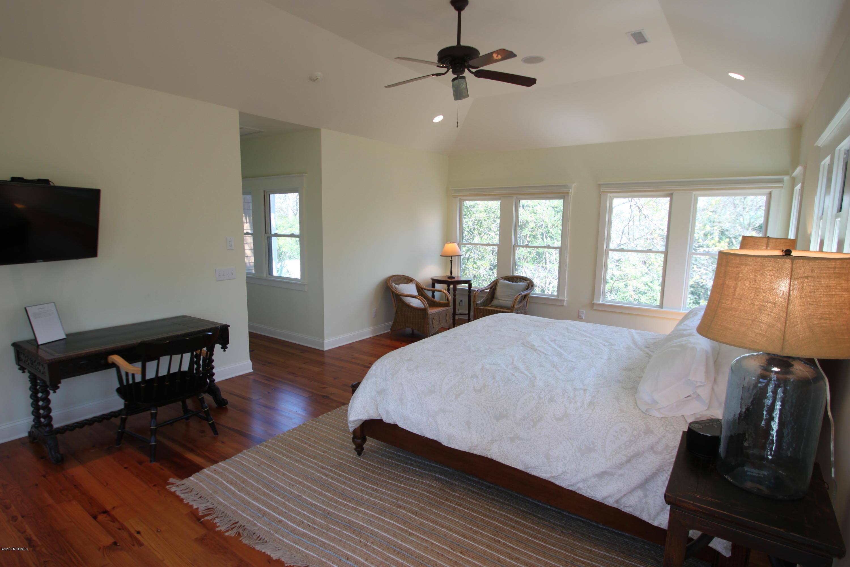 BHI Middle Island Real Estate - http://cdn.resize.sparkplatform.com/ncr/1024x768/true/20170330172251468289000000-o.jpg