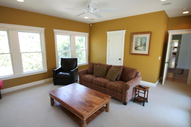 BHI Middle Island Real Estate - http://cdn.resize.sparkplatform.com/ncr/1024x768/true/20170330172317733528000000-o.jpg