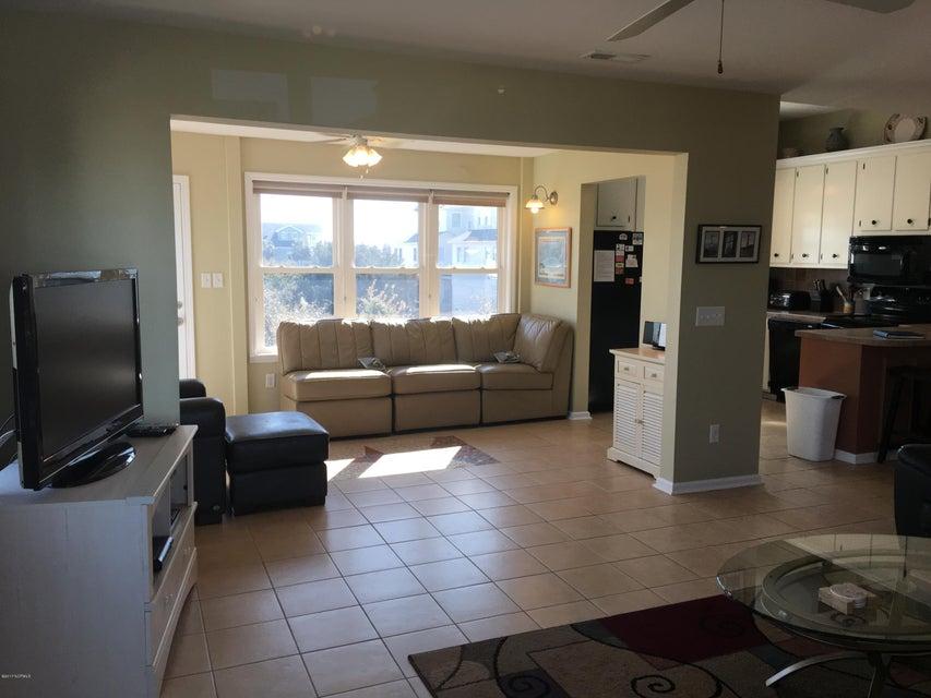 Holden Beach West Real Estate - http://cdn.resize.sparkplatform.com/ncr/1024x768/true/20170330173135333282000000-o.jpg