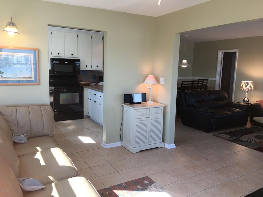 Holden Beach West Real Estate - http://cdn.resize.sparkplatform.com/ncr/1024x768/true/20170330173203956783000000-o.jpg