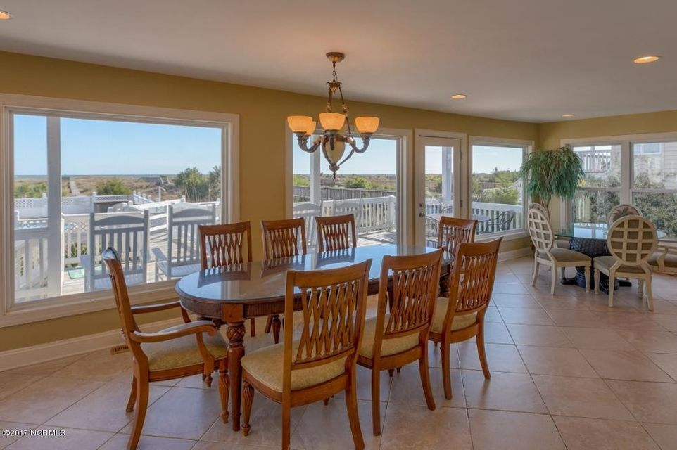 Holden Beach West Real Estate - http://cdn.resize.sparkplatform.com/ncr/1024x768/true/20170330182649624953000000-o.jpg
